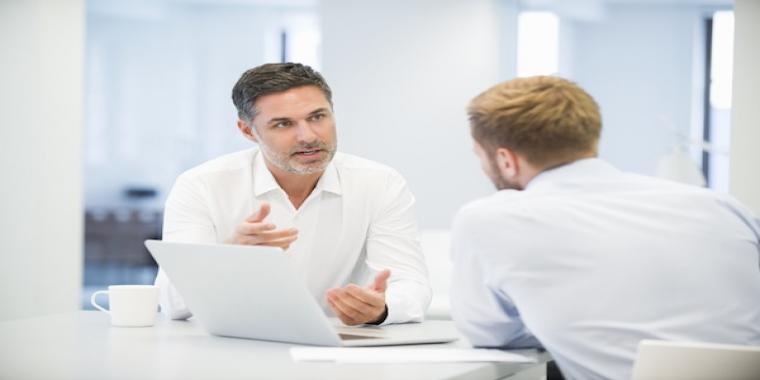 Ouvrir un compte professionnel : oui ou non ?
