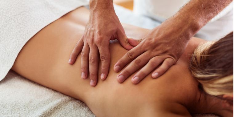 Massage californien, surfez sur la vague du bien-être